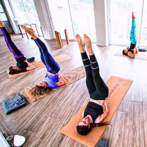 Yoga en el Dynamic Hotel